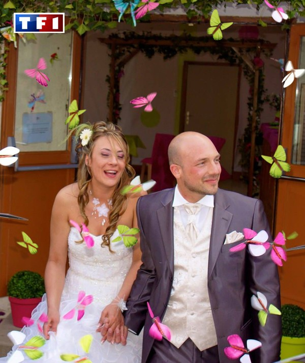 TF1, 4 Mariages pour 1 Lune de Miel. Envols de Papillons Magiques avec Noyale et Christophe, grands gagnants du show. Le Papillon Magique | Magic Flyer International
