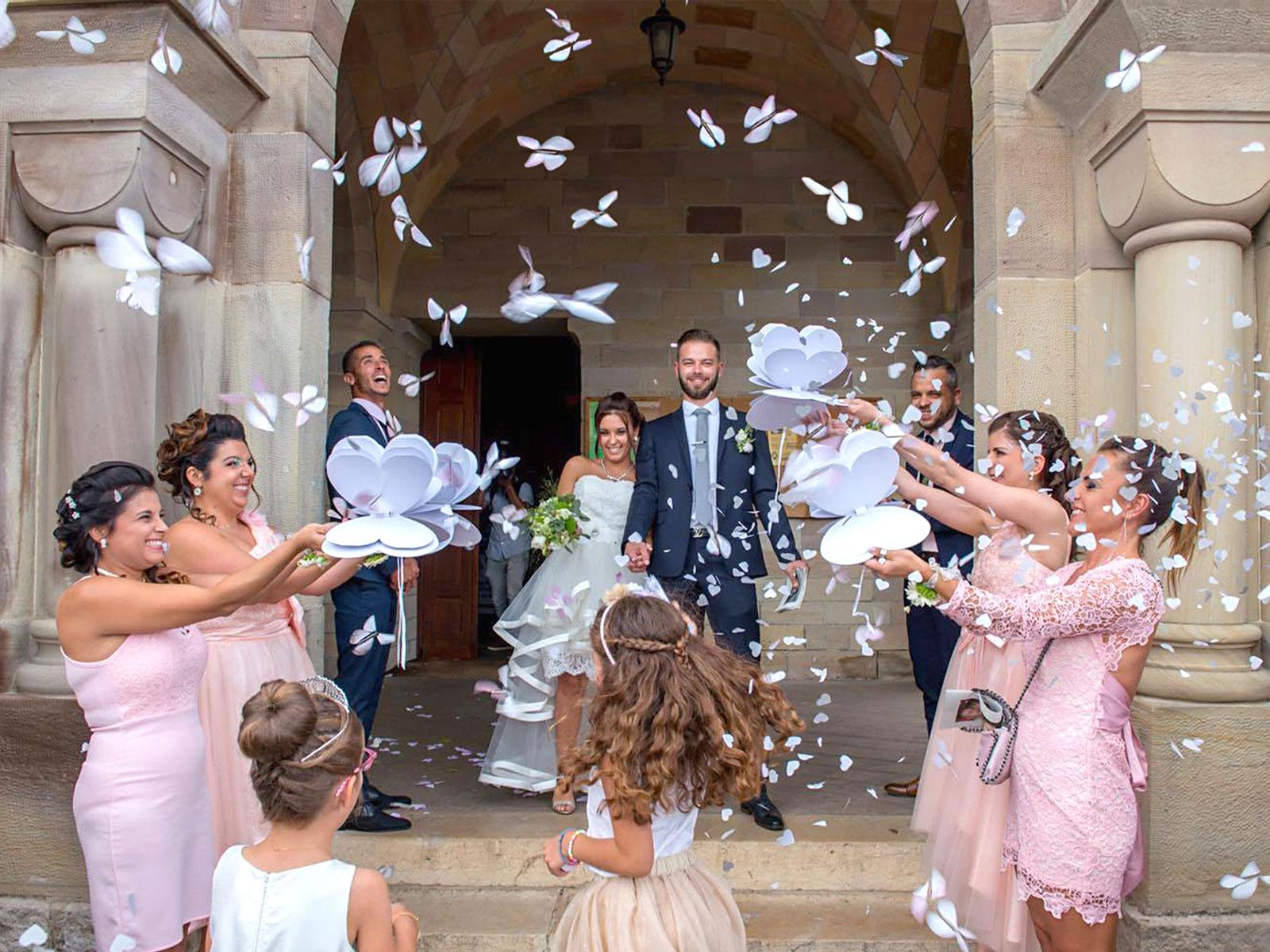 Le Papillon Magique à la sortie d'église